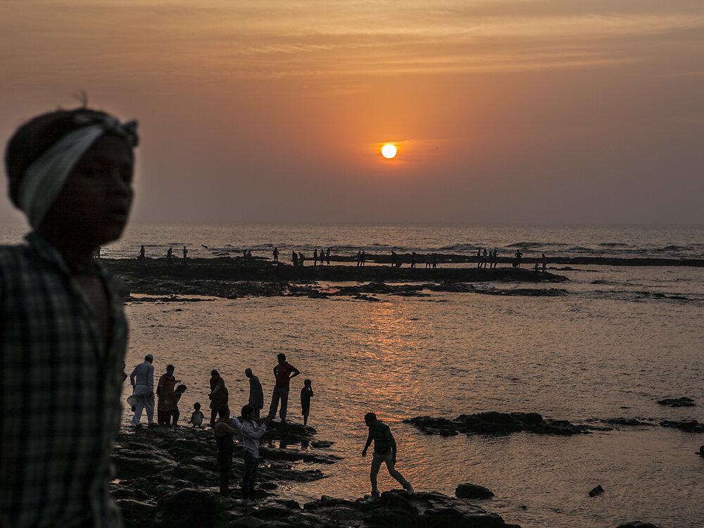 Mumbai Mirror, 2013. A sunset near Haji Ali Dargah mosque.