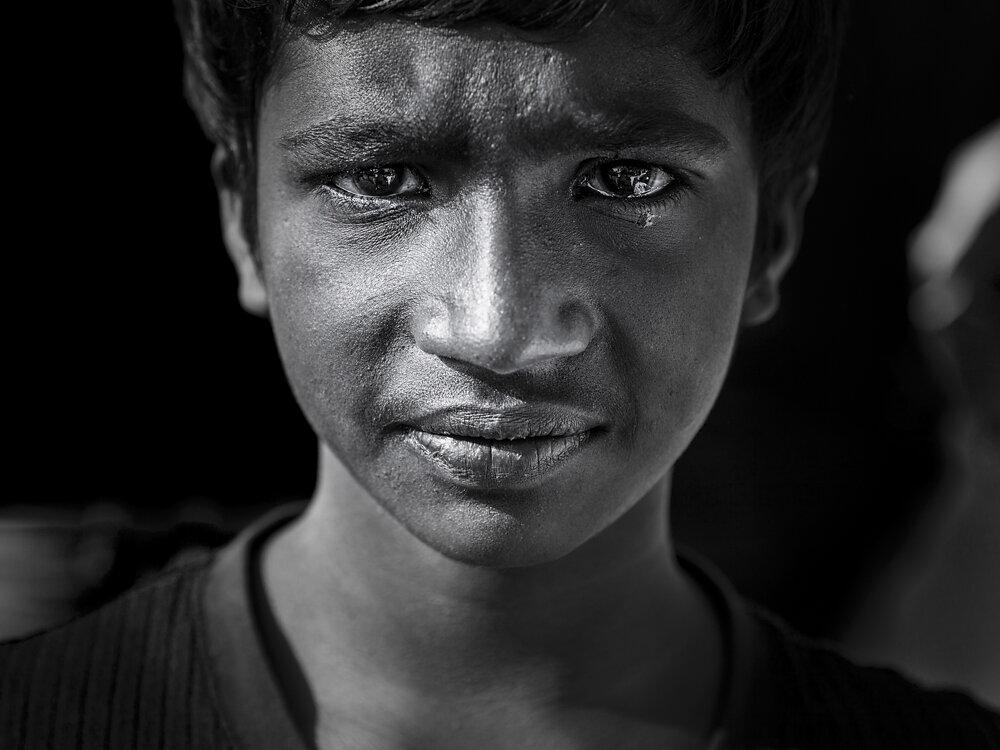 Mumbai Mirror, 2013. A boy asking for food in a wedding ceremony.